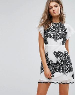 Foxiedox Платье мини с вышивкой и оборками на рукавах. Цвет: белый