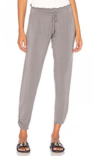 Мягкие брюки bella Olympia Theodora. Цвет: серый