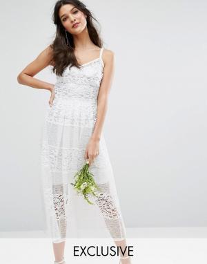 Body Frock Приталенное кружевное платье с серебристой подкладкой Bodyfrock Bridal. Цвет: кремовый