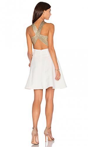 Приталенное и расклешенное платье between the lines Lumier. Цвет: белый