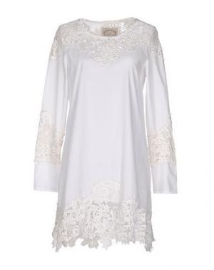 Короткое платье PINK MEMORIES. Цвет: белый