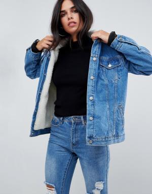 Chorus Джинсовая оверсайз-куртка с подкладкой из искуcственного меха. Цвет: синий