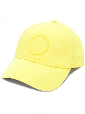 Кепка с заплаткой логотипом Stone Island. Цвет: жёлтый и оранжевый