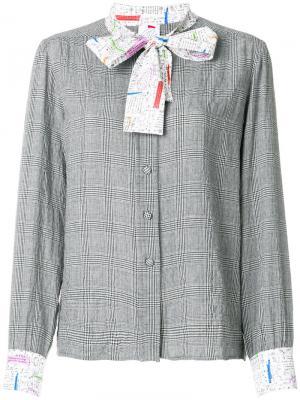 Блузка с контрастной завязкой Ultràchic. Цвет: серый