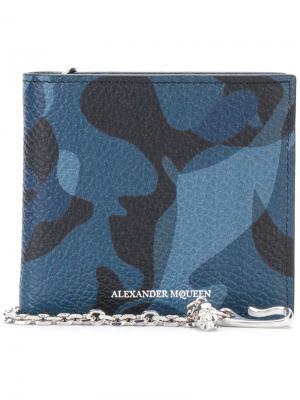 Бумажник с камуфляжным принтом Alexander McQueen. Цвет: синий