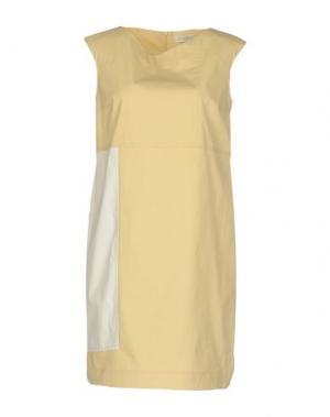 Короткое платье ANTONELLI. Цвет: светло-желтый