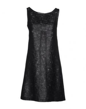 Короткое платье LAVINIATURRA. Цвет: черный