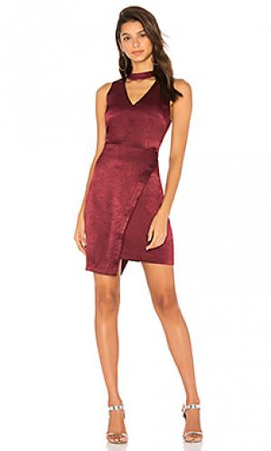 Платье с воротником-чокером и асимметричным низом J.O.A.. Цвет: красное вино