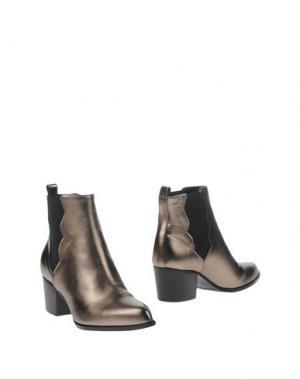 Полусапоги и высокие ботинки ANDREA CATINI. Цвет: серебристый