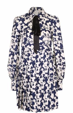 Шелковое платье с принтом и воротником аскот Marc Jacobs. Цвет: разноцветный