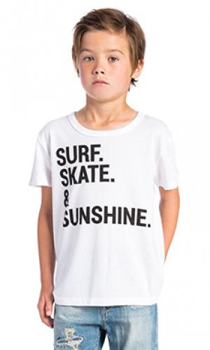 Футболка surf skate & sunshine Chaser. Цвет: белый