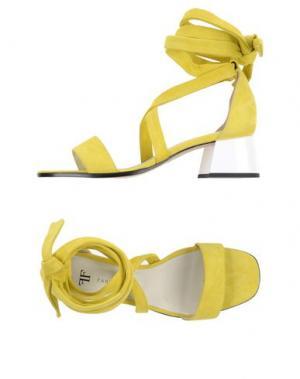 Сандалии FARRUTX. Цвет: желтый