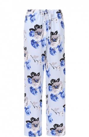 Шелковые брюки в пижамном стиле с цветочным принтом Theory. Цвет: разноцветный
