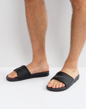 Nike Черные шлепанцы Benassi 705474-091. Цвет: черный