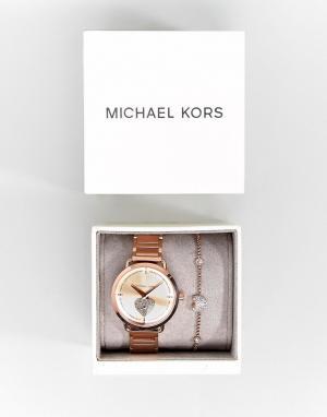 Michael Kors Подарочный набор из розово-золотистых часов и браслета MK. Цвет: золотой