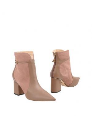 Полусапоги и высокие ботинки WERNER. Цвет: светло-коричневый