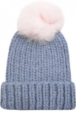 Шерстяная шапка крупной вязки с меховым помпоном Eugenia Kim. Цвет: голубой