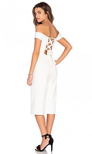 Укороченный комбинезон с открытыми плечами Lucca Couture. Цвет: ivory