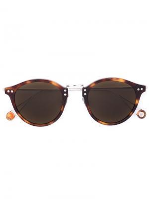 Солнцезащитные очки в черепаховой оправе Ahlem. Цвет: коричневый