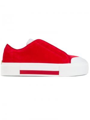 Кроссовки на шнуровке Alexander McQueen. Цвет: красный