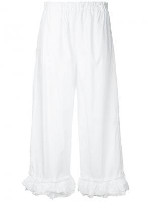 Укороченные брюки с отделкой из рюшей Erika Cavallini. Цвет: белый
