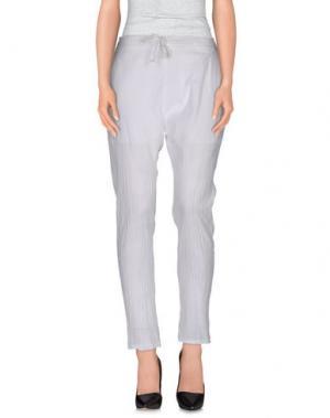 Повседневные брюки PEACOCK BLUE. Цвет: белый