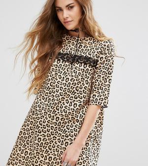Reclaimed Vintage Платье мини с леопардовым принтом. Цвет: коричневый