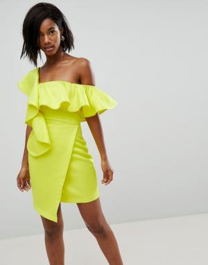 ASOS Асимметричное коктейльное платье мини с запахом и оборками. Цвет: желтый