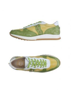 Низкие кеды и кроссовки PENELOPE. Цвет: кислотно-зеленый