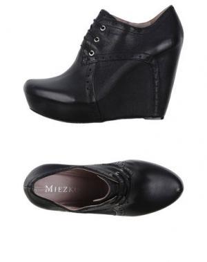 Обувь на шнурках MIEZKO. Цвет: черный