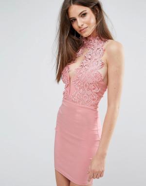 Rare Кружевное платье мини с высоким воротом и декольте London. Цвет: розовый
