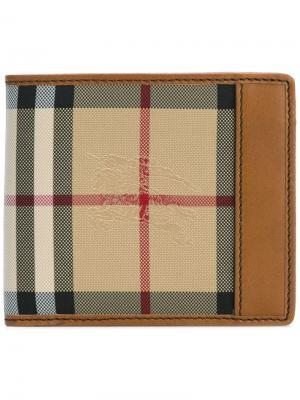 Маленький бумажник в клетку Burberry. Цвет: коричневый