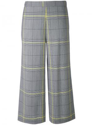 Укороченные клетчатые брюки Fabiana Filippi. Цвет: чёрный