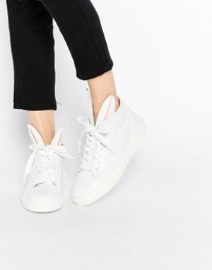 Minna Parikka Белые кожаные кроссовки с кроличьими ушками. Цвет: белый