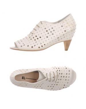 Обувь на шнурках EL. Цвет: белый