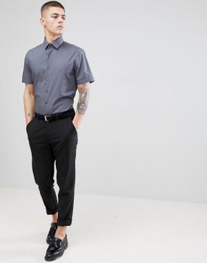 Calvin Klein Строгая приталенная рубашка с короткими рукавами. Цвет: серый
