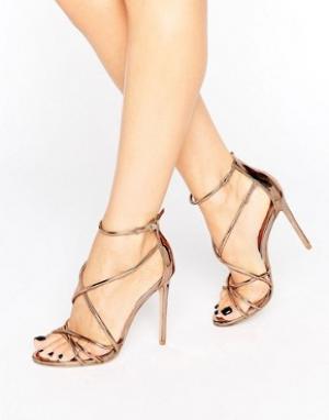 Office Золотистые сандалии на каблуке с ремешками Spindle. Цвет: золотой