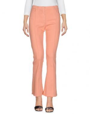 Джинсовые брюки SOALLURE. Цвет: розовый