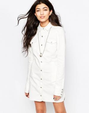 Free People Белое джинсовое платье с застежкой на пуговицы спереди. Цвет: белый