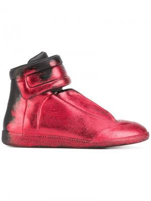 Блестящие кроссовки с градиентным эффектом Maison Margiela. Цвет: красный