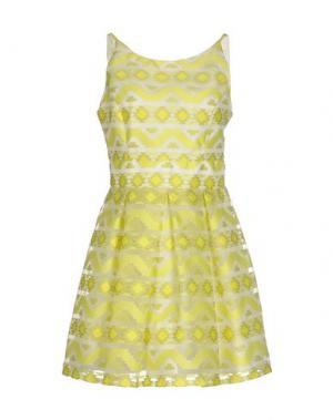Короткое платье EXPLOSION. Цвет: кислотно-зеленый