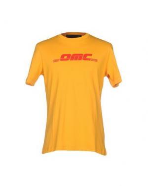 Футболка OMC. Цвет: охра
