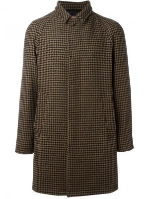 Пальто в ломаную клетку Sealup. Цвет: коричневый