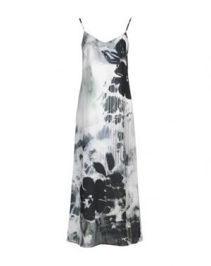 Длинное платье LOU LONDON. Цвет: светло-зеленый