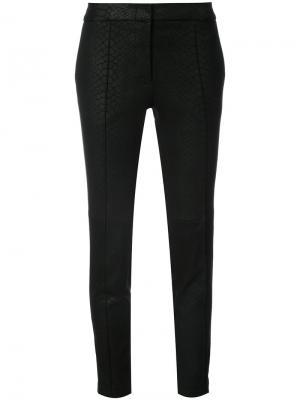 Зауженные брюки с эффектом крокодиловой кожи Yigal Azrouel. Цвет: чёрный