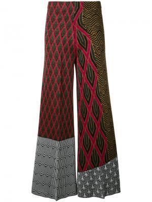 Расклешенные брюки с комбинированным узором Circus Hotel. Цвет: чёрный
