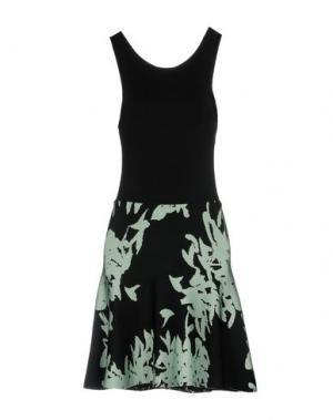 Короткое платье ISSA. Цвет: черный
