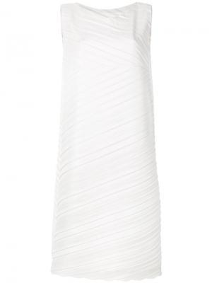 Плиссированное платье-шифт Issey Miyake. Цвет: серый