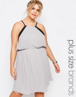 Truly You Шифоновое платье на бретельках с отделкой люверсами. Цвет: серый