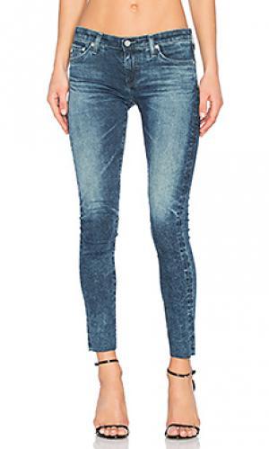 Узкие укороченные джинсы AG Adriano Goldschmied. Цвет: none